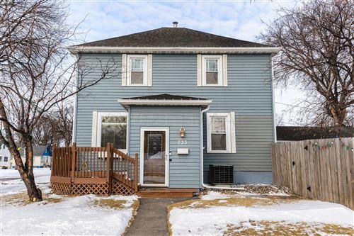 Photo of 723 15 Avenue N, Fargo, ND 58102 (MLS # 21-417)