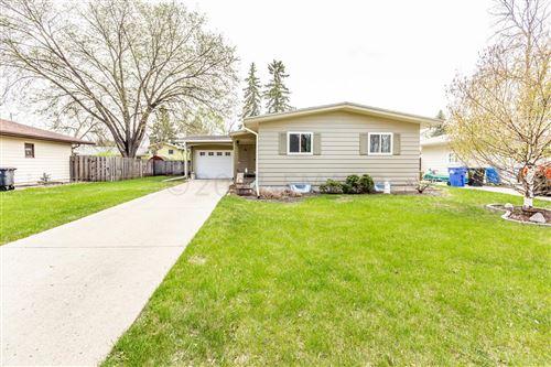 Photo of 86 25 Avenue N, Fargo, ND 58102 (MLS # 21-2496)