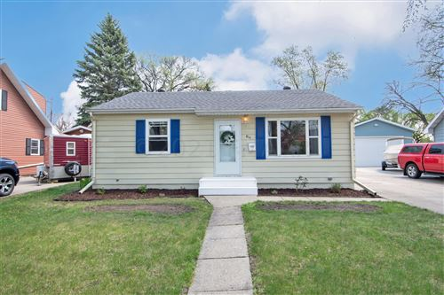 Photo of 814 19 Street S, Fargo, ND 58103 (MLS # 21-2596)