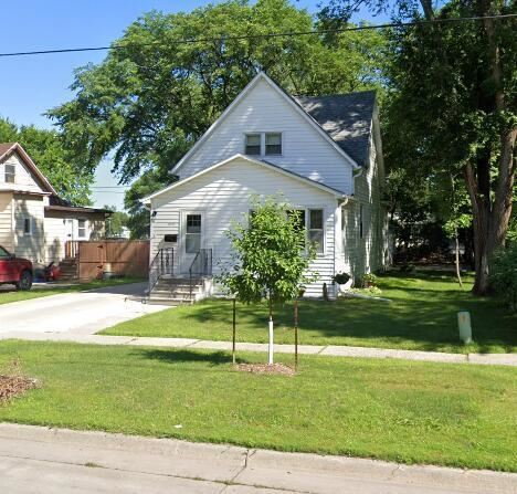 Photo of 1805 5 Avenue S, Fargo, ND 58103 (MLS # 21-4929)