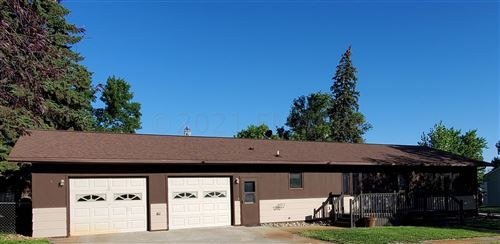 Photo of 121 4TH Avenue, Milnor, ND 58060 (MLS # 21-3945)