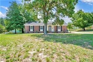 Photo of 5331 Sandstone Drive, Fayetteville, NC 28311 (MLS # 610053)