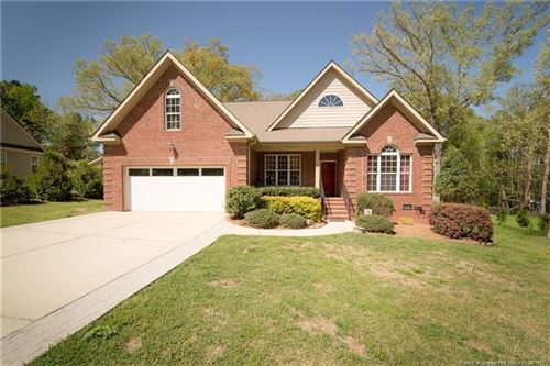 Photo of 724 Creekside Drive, Sanford, NC 27330 (MLS # 654077)