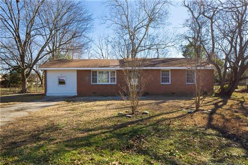 Photo of 125 Shads Ford Boulevard, Fayetteville, NC 28314 (MLS # 668168)