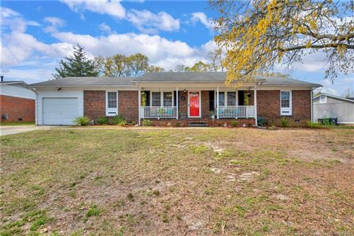 Photo of 827 Muskegon Drive, Fayetteville, NC 28311 (MLS # 633582)