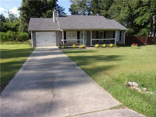 Photo of 101 Overton Road, Raeford, NC 28376 (MLS # 639617)