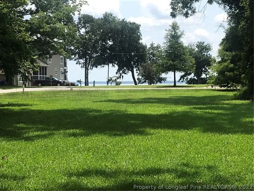 Photo of 1 Live Oak Circle, Lake Waccamaw, NC 28450 (MLS # 662651)