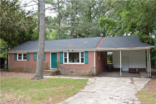 Photo of 5327 Williamsburgh Drive, Fayetteville, NC 28304 (MLS # 608762)