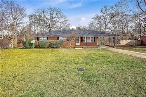Photo of 660 Pleasant Loop, Fayetteville, NC 28311 (MLS # 624792)