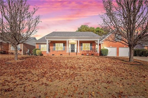 Photo of 3416 Stoneclave Place, Fayetteville, NC 28304 (MLS # 621854)
