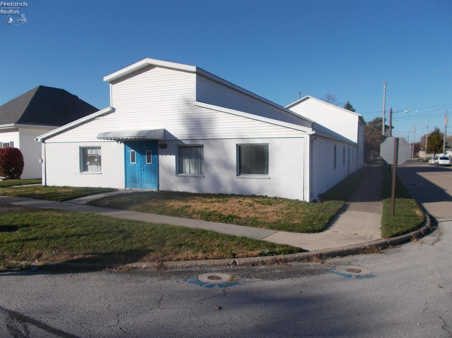 Port Clinton Oh Commercial For Sale Real Living Morgan Realty Group Real Living Real Estate