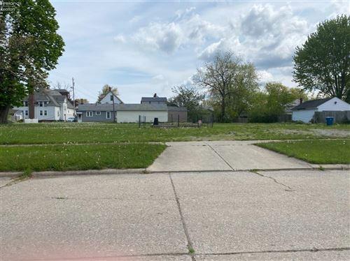 Photo of 215 Connecticut Avenue, Lorain, OH 44052 (MLS # 20211881)