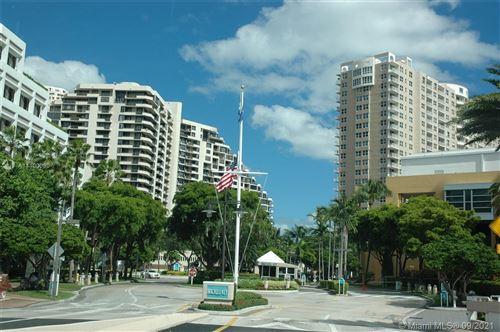 Photo of 540 Brickell Key Dr #1426, Miami, FL 33131 (MLS # A11100000)