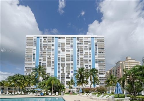 Photo of 881 Ocean Dr #6E, Key Biscayne, FL 33149 (MLS # A10667001)
