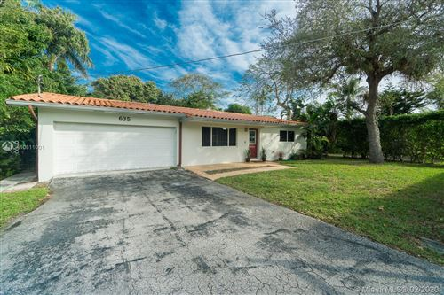 Photo of 635 NE 116th St, Biscayne Park, FL 33161 (MLS # A10811001)