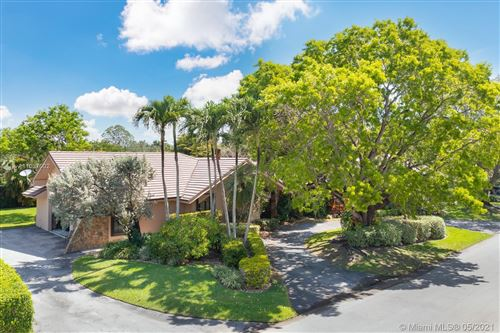 Photo of 7525 SW 115th St, Pinecrest, FL 33156 (MLS # A11037002)