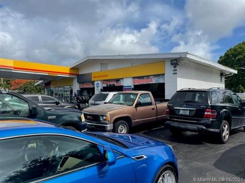 Photo of 301 E Sample Rd, Deerfield Beach, FL 33064 (MLS # A11060003)
