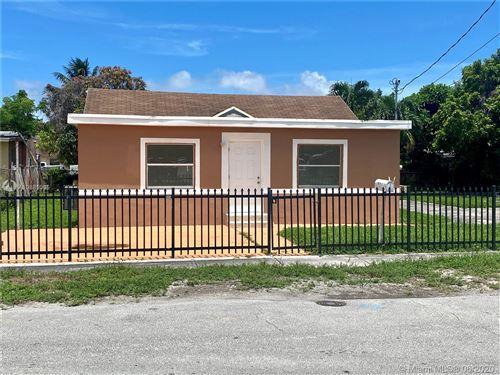 Foto de inmueble con direccion 8135 NW 15th Ave Miami FL 33147 con MLS A10881005