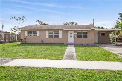Photo of Listing MLS a10811009 in 834 Magnolia Dr Lake Park FL 33403