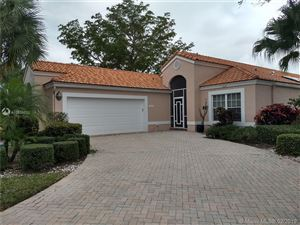 Photo of 11939 Fountainside Circle, Boynton Beach, FL 33437 (MLS # A10606010)