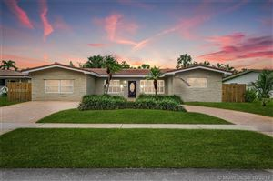 Photo of 530 N Crescent Dr, Hollywood, FL 33021 (MLS # A10755010)