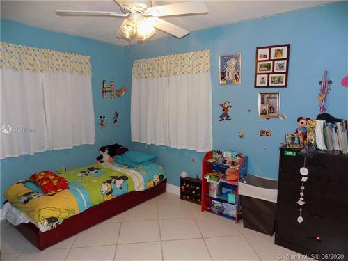 Foto de inmueble con direccion 8641 NW 25th St Sunrise FL 33322 con MLS A10881011