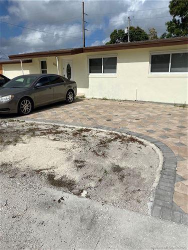 Foto de inmueble con direccion 3101 NW 86th St Miami FL 33147 con MLS A10813012