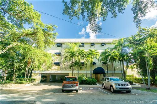 Photo of 427 Santander Ave #203, Coral Gables, FL 33134 (MLS # A10737014)