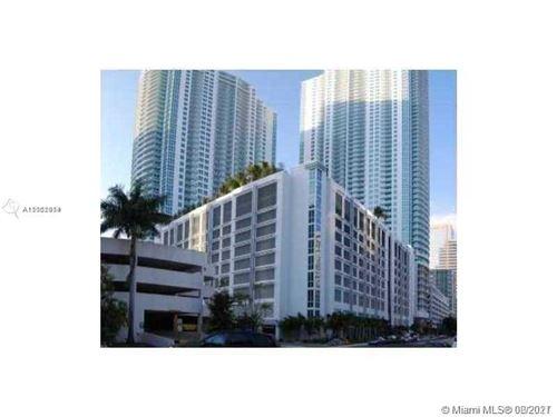 Photo of Miami, FL 33131 (MLS # A11052014)