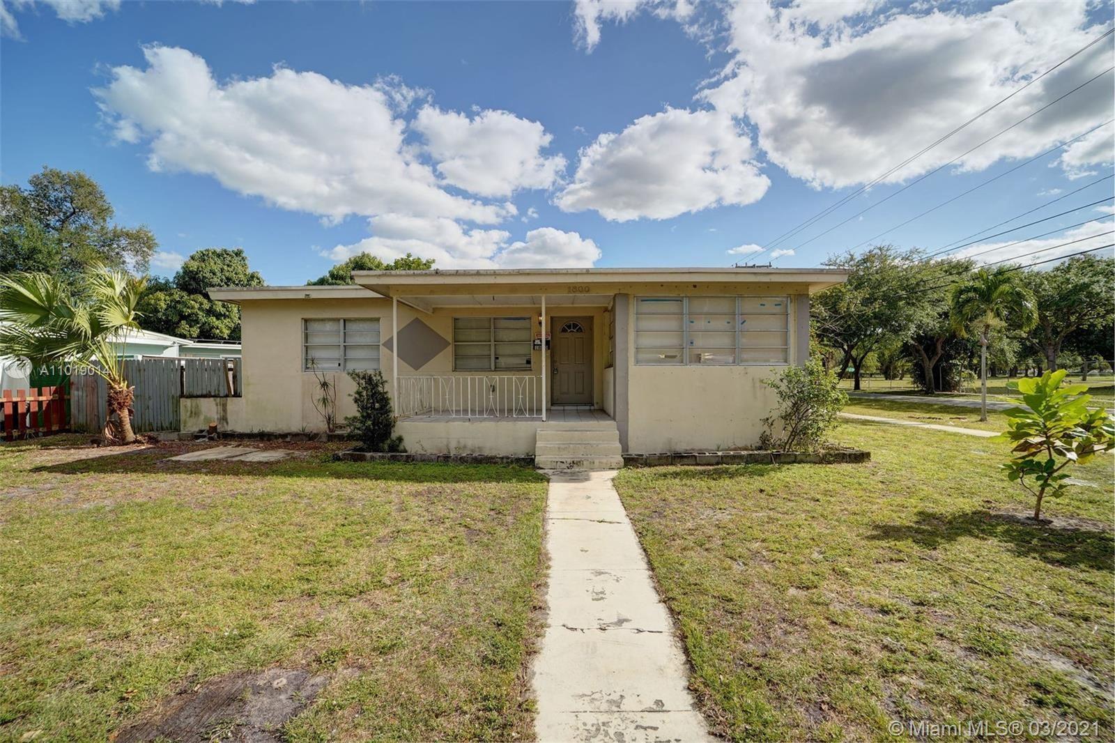 1800 NE 154th St, North Miami Beach, FL 33162 - #: A11019014