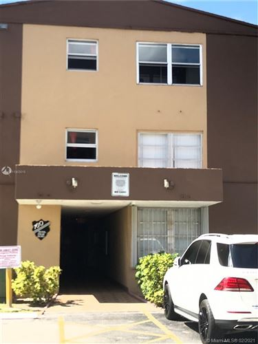 Photo of 160 Royal Palm Rd #314, Hialeah Gardens, FL 33016 (MLS # A11003015)