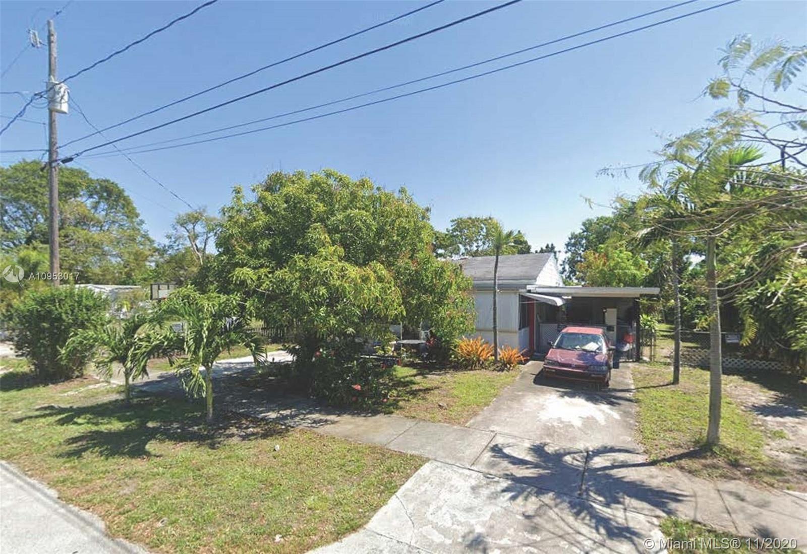 Photo of 523 SW 5th Ave, Hallandale Beach, FL 33009 (MLS # A10953017)