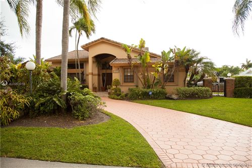 Photo of 10090 SW 144 ST, Miami, FL 33176 (MLS # A11051018)