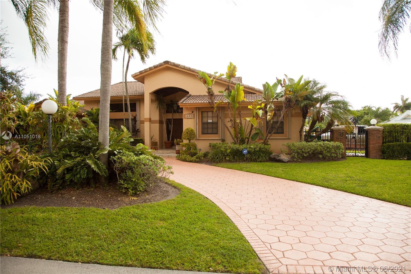 10090 SW 144 ST, Miami, FL 33176 - #: A11051018