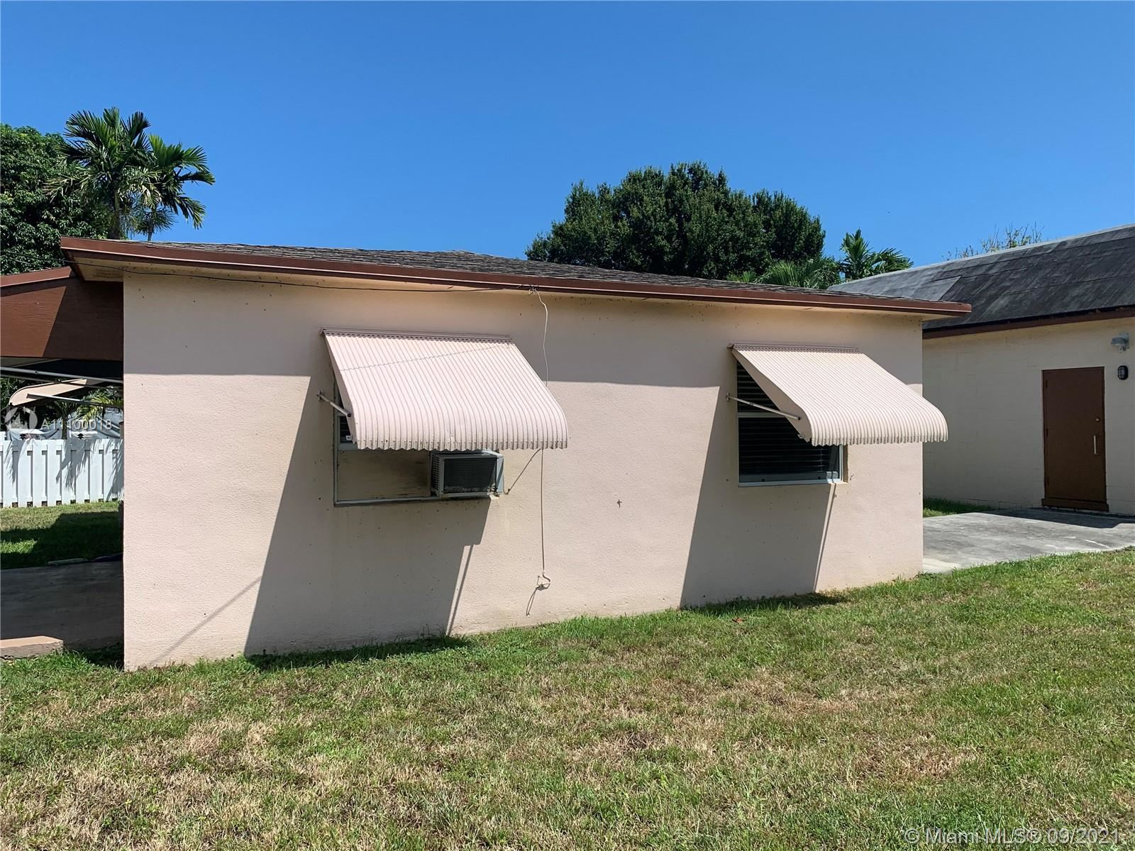 Photo of 313 SW 2nd St, Hallandale Beach, FL 33009 (MLS # A11100018)