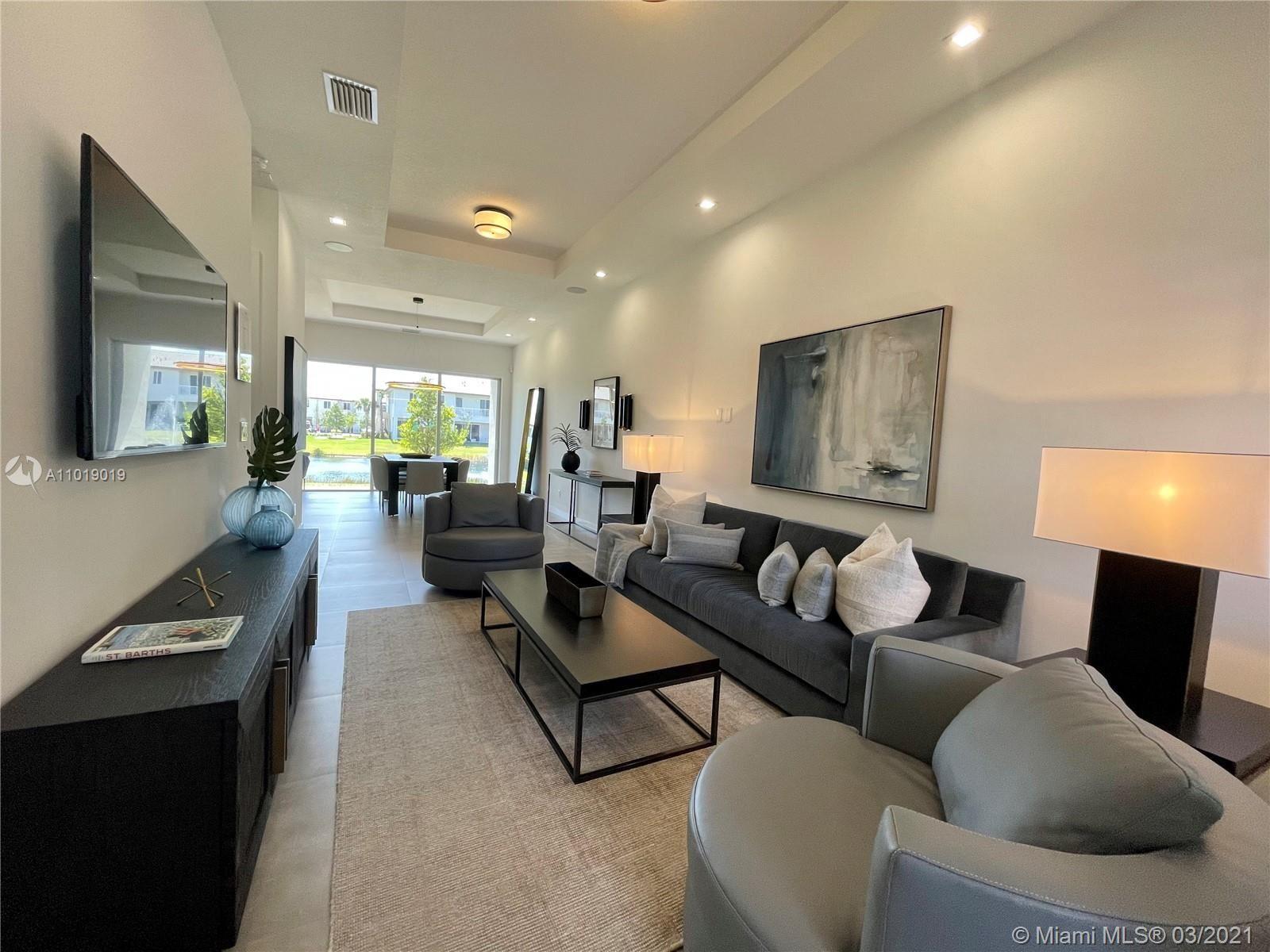 1631 Pioneer Way, Royal Palm Beach, FL 33411 - #: A11019019