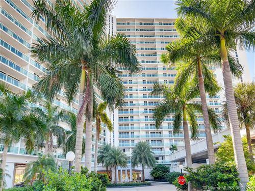 Foto de inmueble con direccion 100 Bayview Dr #401 Sunny Isles Beach FL 33160 con MLS A10879020