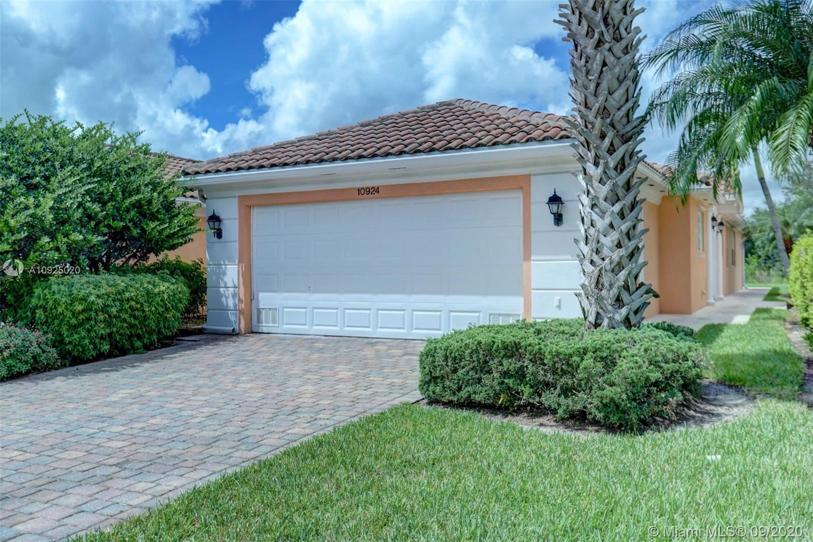 10924 SW Dardanelle Dr, Port Saint Lucie, FL 34987 - #: A10925020