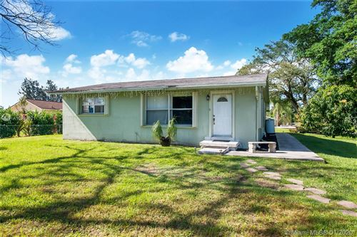Photo of Listing MLS a10797021 in 2750 SW 137th Ter Davie FL 33330