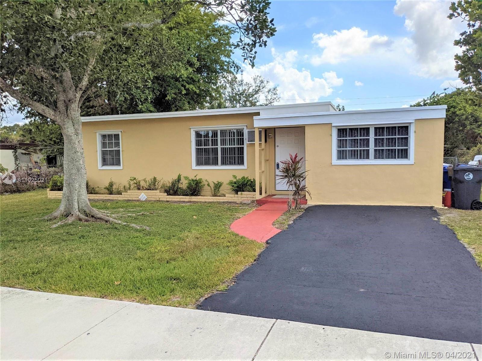26 Miami Gardens Rd, West Park, FL 33023 - #: A11025021