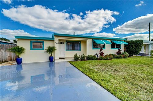 Photo of 524 Wright Dr, Lake Worth, FL 33461 (MLS # A11043022)