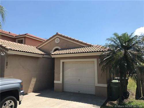 Photo of Listing MLS a10845024 in 2006 SE 14th Ct Homestead FL 33035