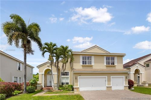 Photo of 3433 SW 52nd Ct, Hollywood, FL 33023 (MLS # A11026025)