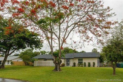 Photo of 18121 SW 89th Ave, Palmetto Bay, FL 33157 (MLS # A10861026)