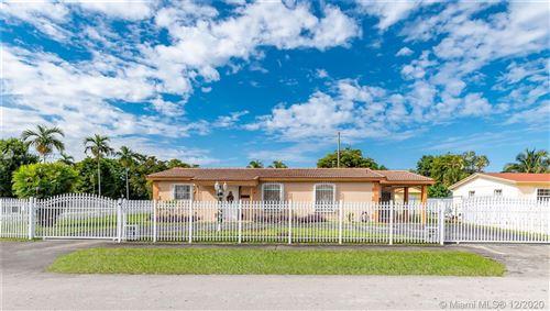 Photo of 3130 SW 95th Ct, Miami, FL 33165 (MLS # A10976027)