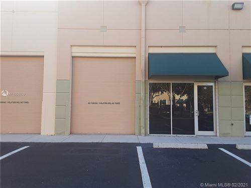 Photo of 2950 Glades Cir #10, Weston, FL 33327 (MLS # A11005029)