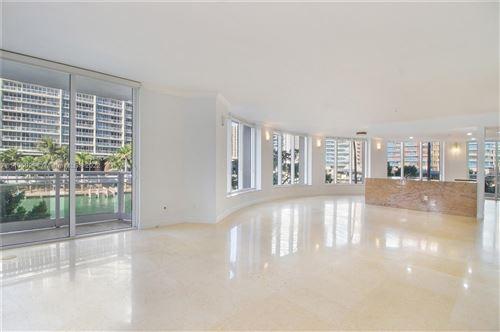 Photo of 901 Brickell Key Blvd #304, Miami, FL 33131 (MLS # A11105029)