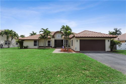 Photo of Listing MLS a10885032 in 1550 SW 52nd Way Plantation FL 33317