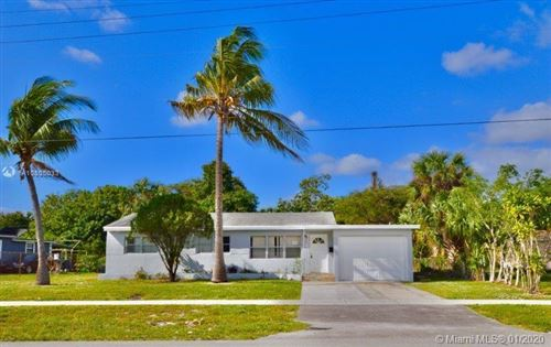 Photo of 811 SW 31st Ave, Fort Lauderdale, FL 33312 (MLS # A10805033)