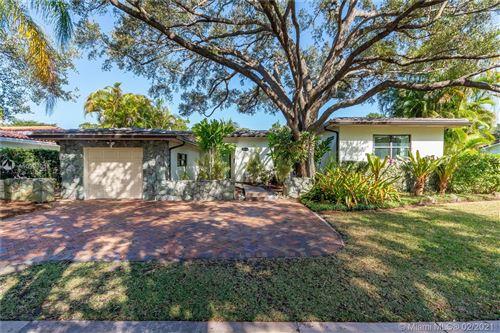 Photo of 1523 Zoreta Ave, Coral Gables, FL 33146 (MLS # A10993033)